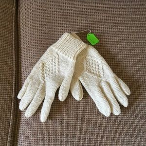 NWT handknit wool gloves